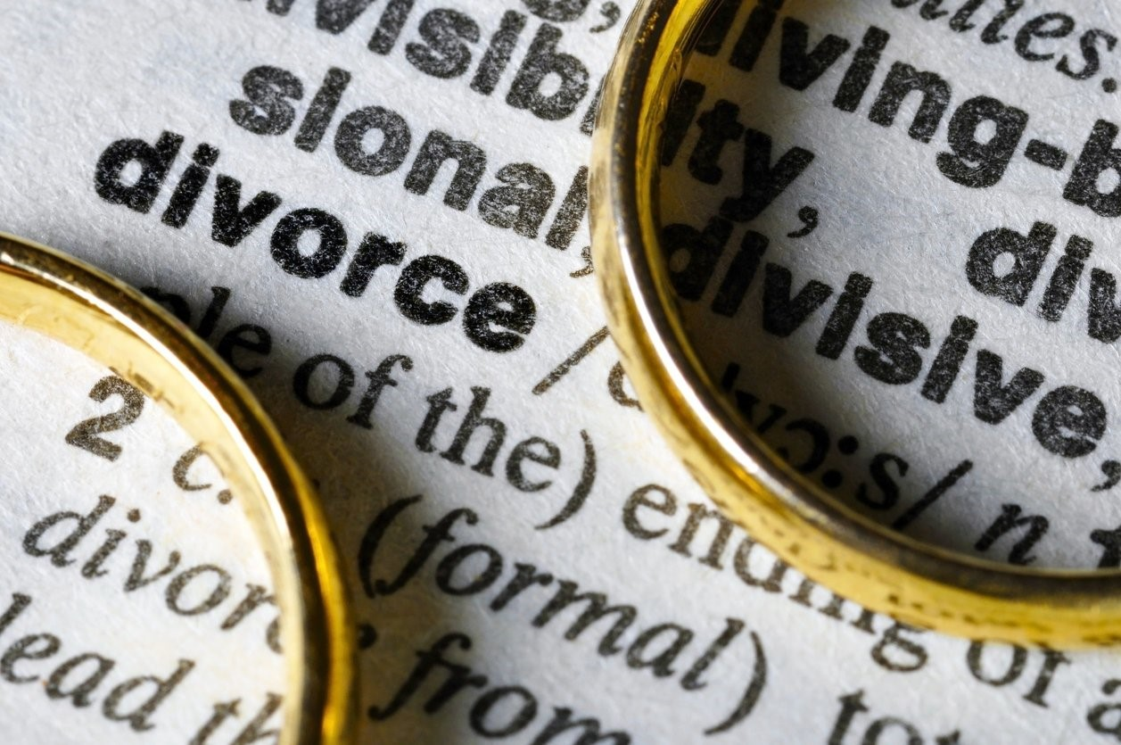 4 Divorce Warning Signs Many People Miss