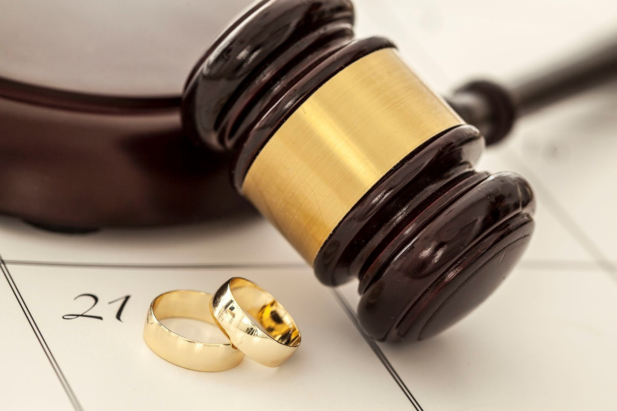 Is There An Advantage to Filing for Divorce First in Florida