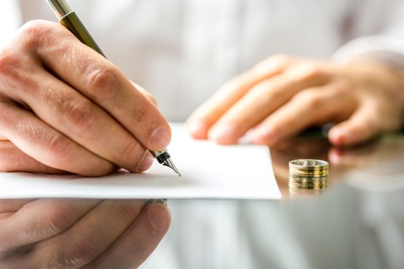 4 People to Consult During Florida Divorce Proceedings